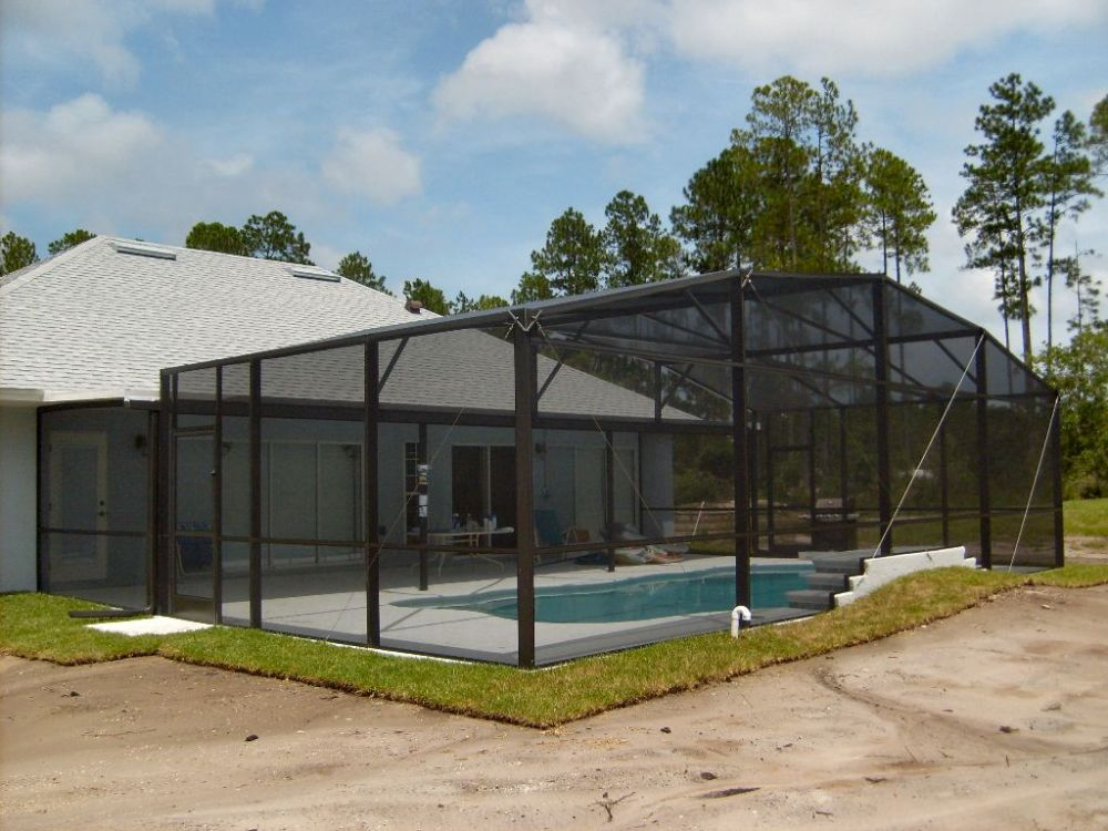Swimming pool screen enclosures florida for Pool privacy screen